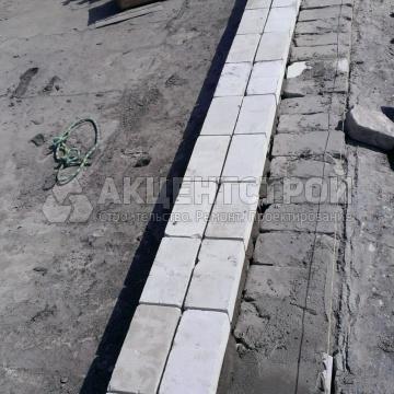 Демонтаж старого и кладка нового кирпича на парапеты
