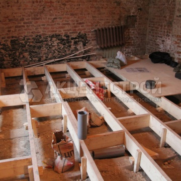 Монтаж деревянного пола для поднятия основания на 20 см
